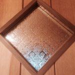 菱形にカットしたフローラガラスのドアの建具としてご使用になられたお客様