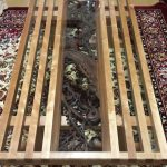 欄間ご使用のテーブル(木製)の上に強化ガラスを置かれたお客様