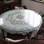 円形テーブルの上に強化ガラスをセットしたお客様