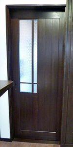 室内ドアとランマ部分にフローラガラスクリアを設置したお客様