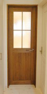 木製建具にデザインガラス(キャセドラルクリア)をご使用になられたお客様