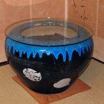 長年眠っていた火鉢に強化フロートガラスを置いたお客様