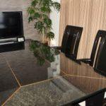ダイニングテーブルの天板に強化高透過ガラスを置かれたお客様