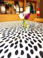 ダイニングのテーブルにガラスマットをご設置されたお客様(東京都中央区H様)